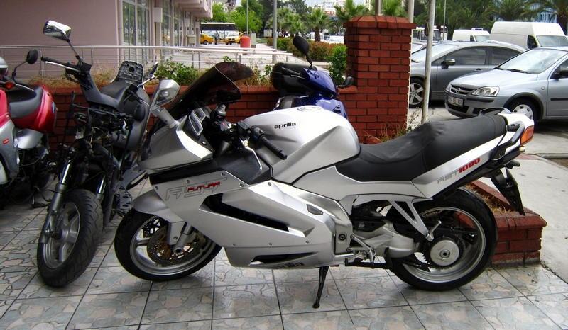 Motor Hikayesi Motosiklet blog - Aprilia RST1000 Futura - En iyi motosiklet listesine selesi ile girmişti.
