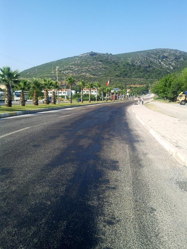 Erimiş kaygan asfalt