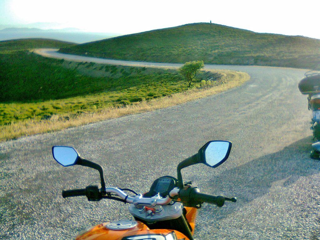 motosiklet ve rüzgar, ileri bakış planlama ile rüzgarı tahmin edebilirsiniz.