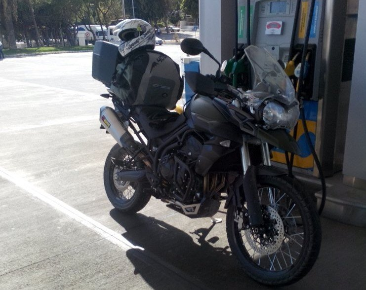 triumph tiger 800xc benzinlik