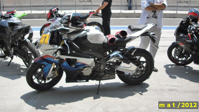 California Superbike School - Motosiklet Pist Eğitimi - Numara Takma