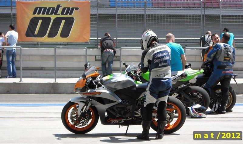 California Superbike School - Motosiklet Pist Eğitimi - Eğitmen hoca