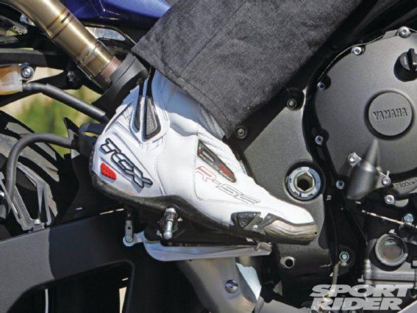 motosiklet arka fren sağ ayak frende