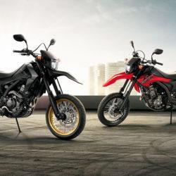 Honda CRF250M siyah ve kırmızı ikisi birlikte yatay görsel