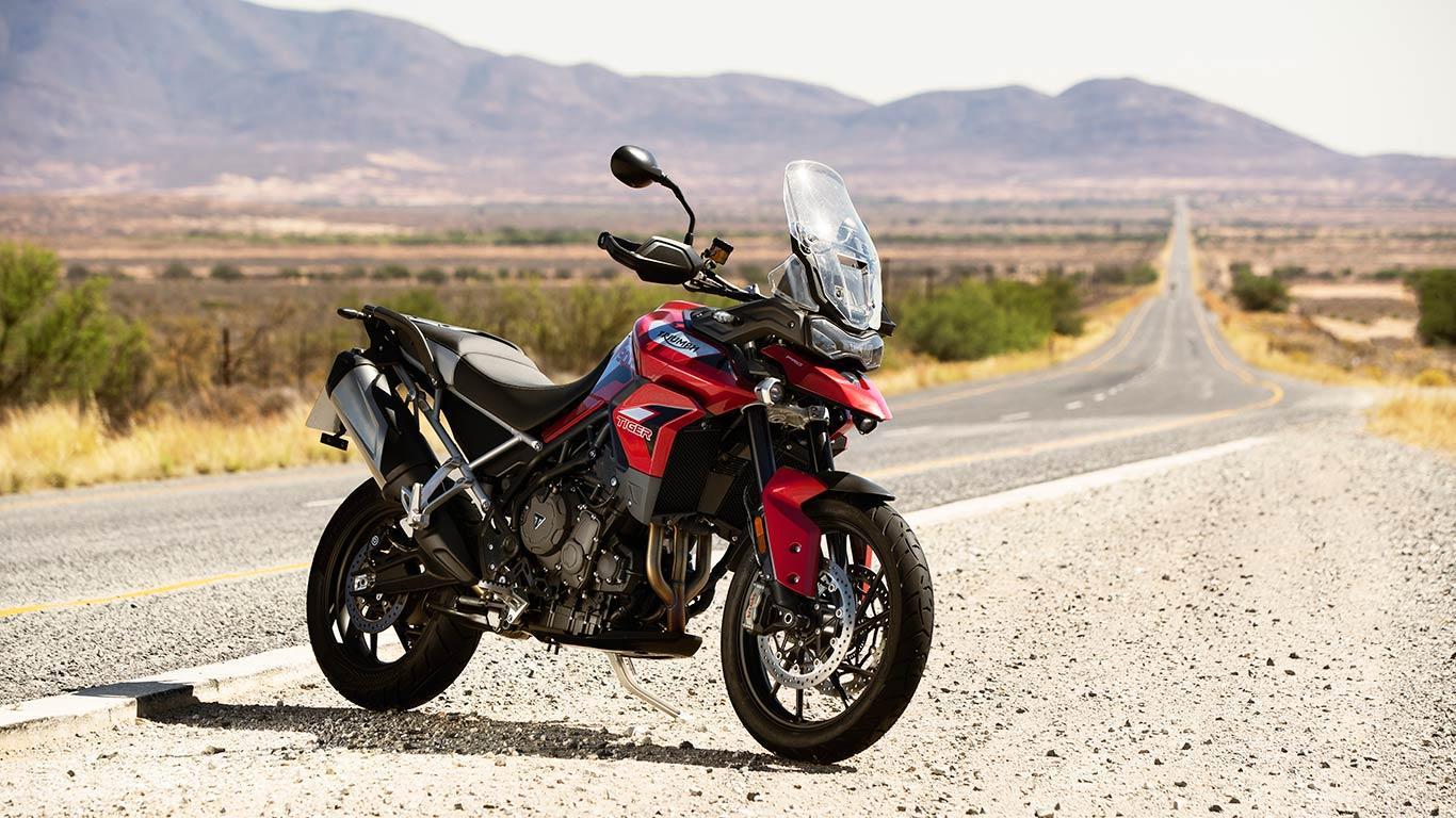 tiger-900-gt-pro-2020- çöl yolunda