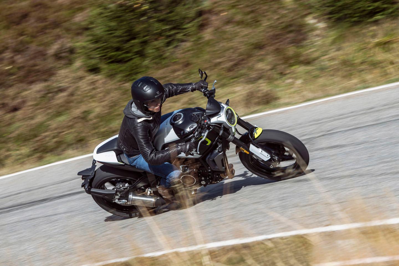 2020-CFMoto-700CL-Sport-020- Sağa Dönüş