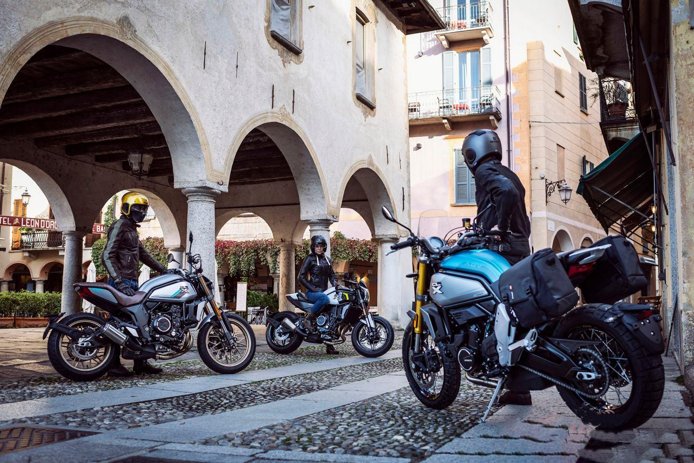 2020-CFMoto-700CL-XAdv-Hero-Sport-Tanıtım Yazısı Üçü Şehir İçinde