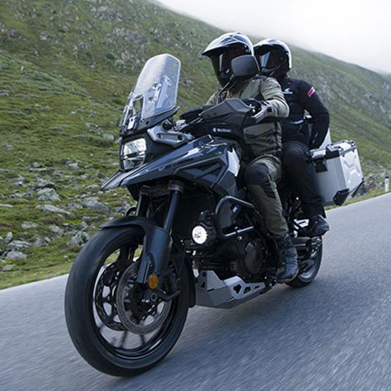 V-Strom-1050-XT-Siyah-Artçılı