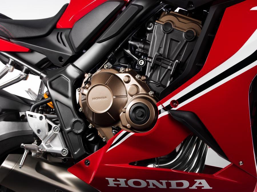 Honda CBR650R 2019-kırmızı sağ yandan motor bölümü