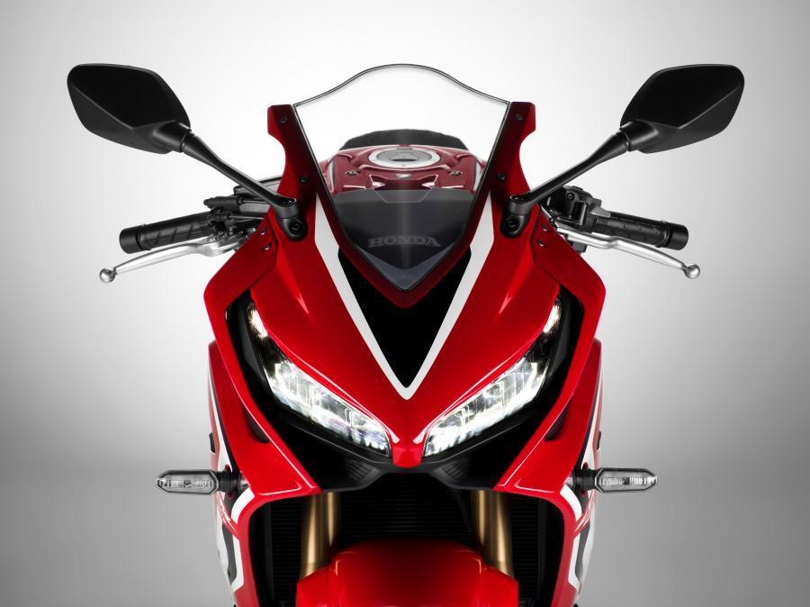 2019-Honda-CBR650-kırmızı önden görünüş