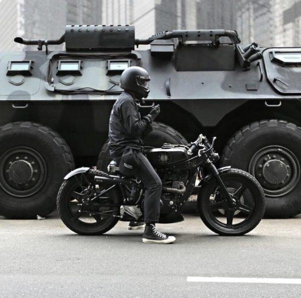 panzer ve motosiklet, esaret ve özgürlük