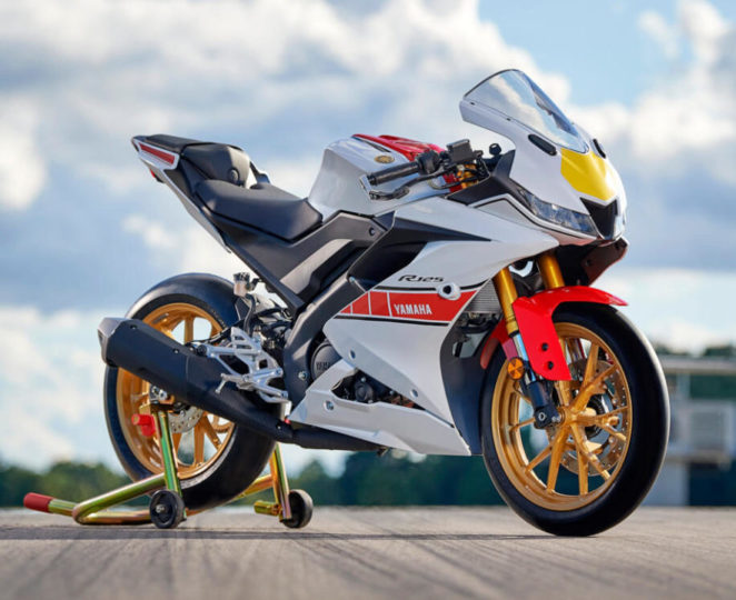 Yamaha 60. Yıl - R125 yakın çekim